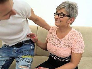 Spex Grandma Gets Cummed Nuvid