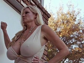 Curvy Kelly Taking Monster Cock Hardcore Missionary