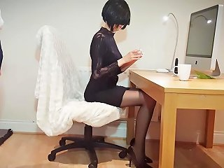 Incredibly Hot And Slutty Secretary You Can Only Dream Would Work For You