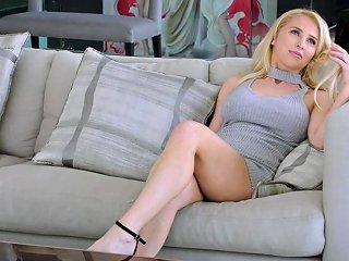 Vixen Blonde Doll Fucks On Layover Nuvid