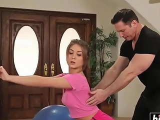 Jojo Kiss Teen Chick Gets Fucked After The Workout