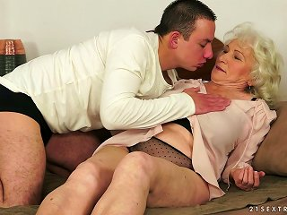 Norma The Old Bitch Gets Fucked By Much Teener Dude